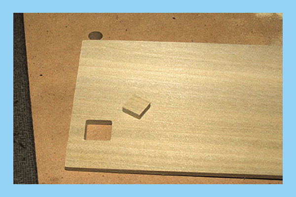 چگونه سوراخ مربعی را در چوب برش دهیم؟